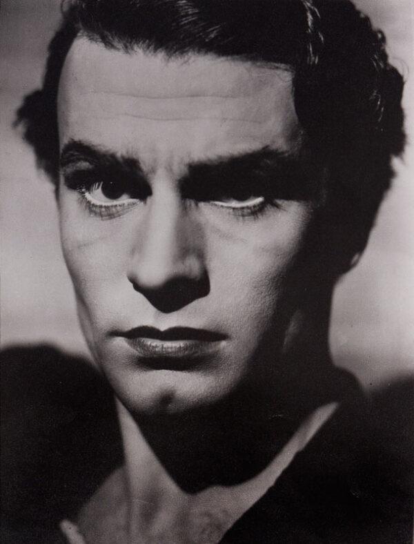 MCBEAN Angus (1904-1990) - Photographs.